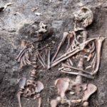 Mor og barn - sammen i døden. Forskning på 600 år gamle Oslo-borgere kan gi oss ny innsikt om menneskenes helsehistorie.
